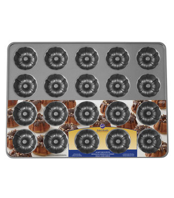 Wilton® Perfect Results 20-Cavity Non-Stick Mini Fluted Tube Pan