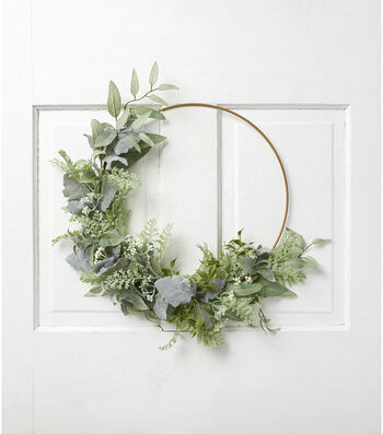 Fresh Picked Spring Leaves & Berry Round Wreath