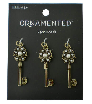 hildie & jo™ Ornamented 3 Pack Key Antique Gold Pendants-Pearls