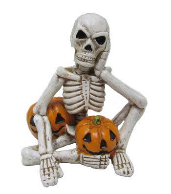 Maker's Halloween Littles Skeleton with Pumpkins