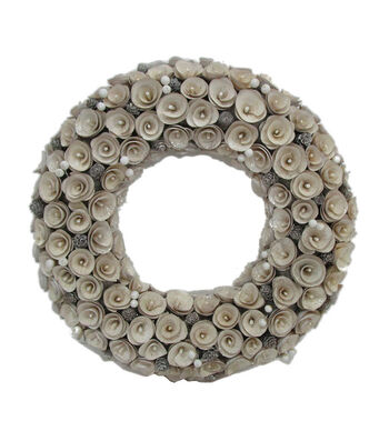 Maker's Holiday Christmas Wood Chip Wreath