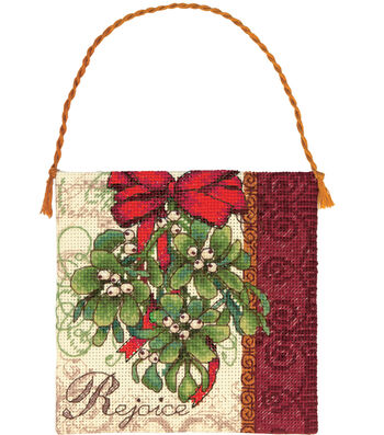 """Gold Collection Petites Mistletoe Ornament Counted Cross Sti-7""""X7"""" 18 Count"""