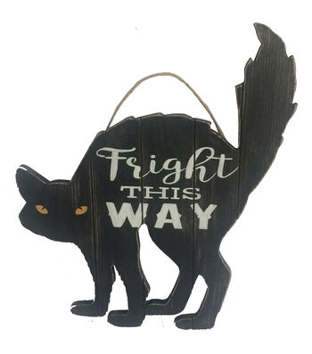 Maker's Halloween Wall Decor-Fright This Way