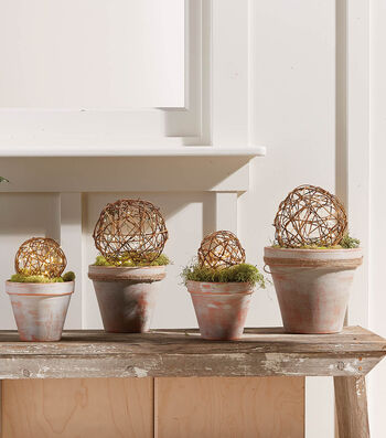 How To Make Grapevine Balls In Distressed Pots
