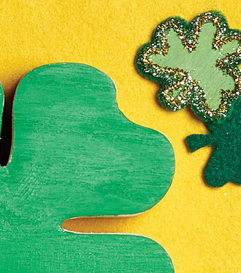 How To Make Green Clovers