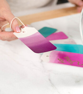 How To Make Dip-Dyed Ombre Gift Tags