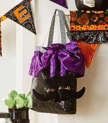 How To  Make A Halloween Make it your Own Tote Bag