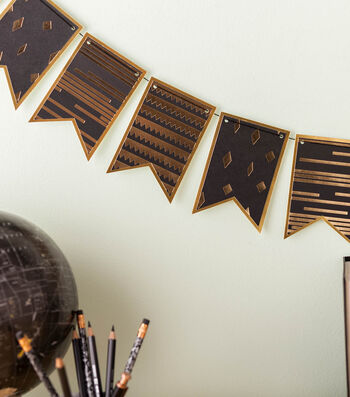 How To Make Gold and Black Pennants