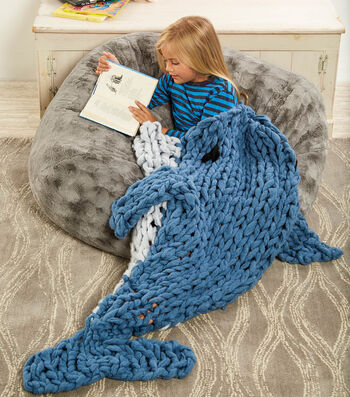 How To Arm Knit A Dolphin Blanket