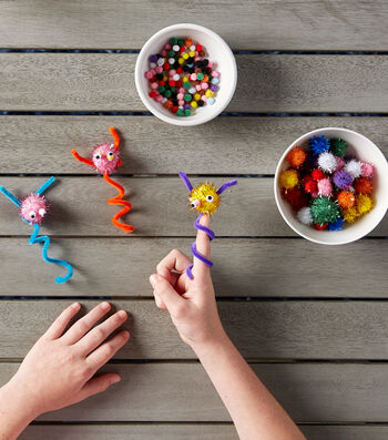 Make Finger Puppet Pompom Critters