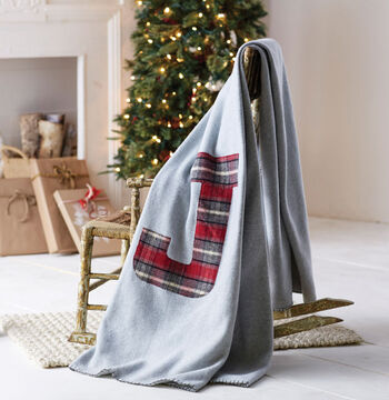 Makers Guide: Fleece Monogram Blanket