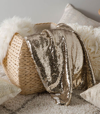 Make A Reversable Sequin And Luxe Fleece Throw