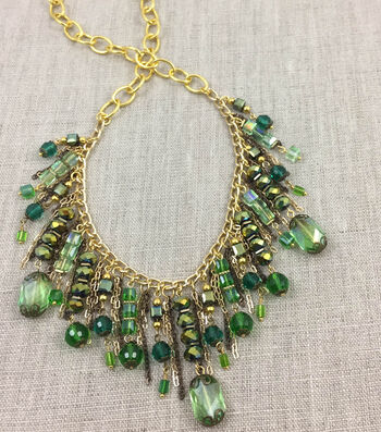 How to Make An Evergreen Necklace