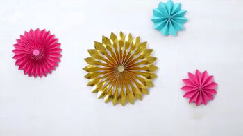 Rosette Tree Topper from Martha Stewart Crafts