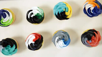 Wilton Color Swirl Game On Cupcakes