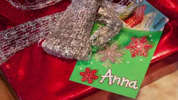 Learn How to Make a Paper Gift Card Holder