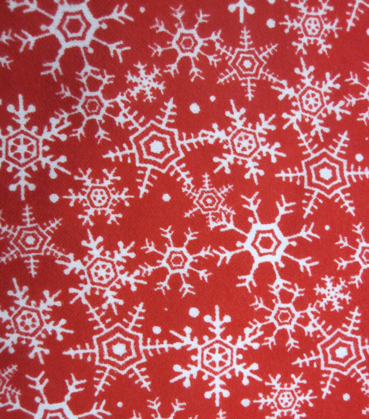 Maker\u0027s Holiday Fleece Fabric 42\u0022-Red Flakes