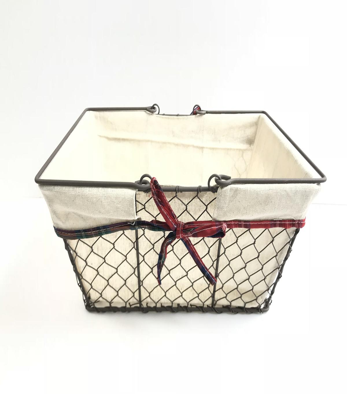 Maker\u0027s Holiday Christmas Rectangular Wire Basket with Liner & Handle