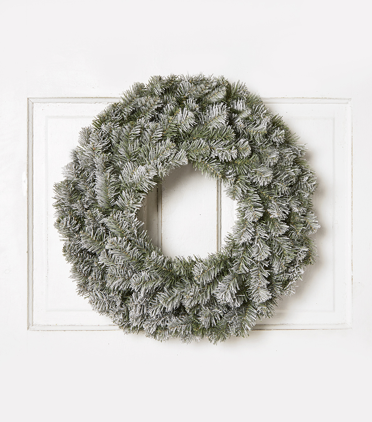 Blooming Holiday 24\u0027\u0027 Flocked Wreath-White