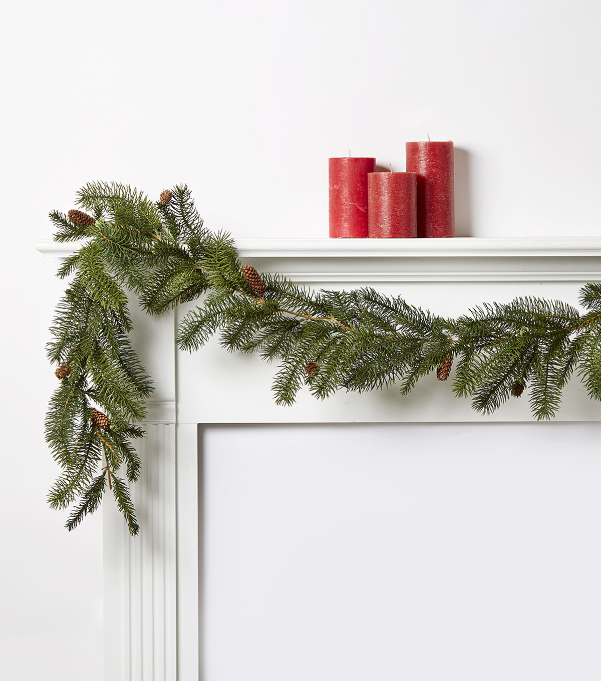 Blooming Holiday Pine Needle With Pinecones Garland