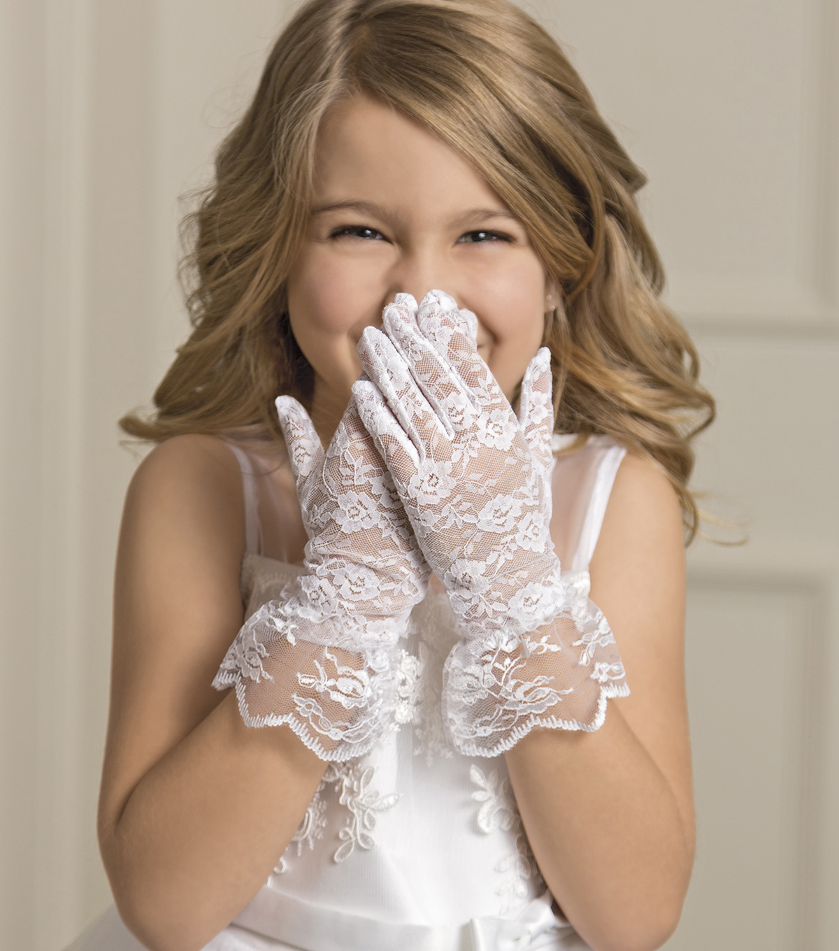 Save The Date™ Flower Girl Lace Gloves
