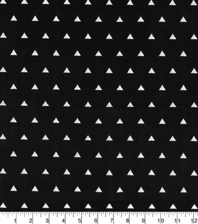 Quilter's Showcase™ Cotton Fabric-Triangles White Black