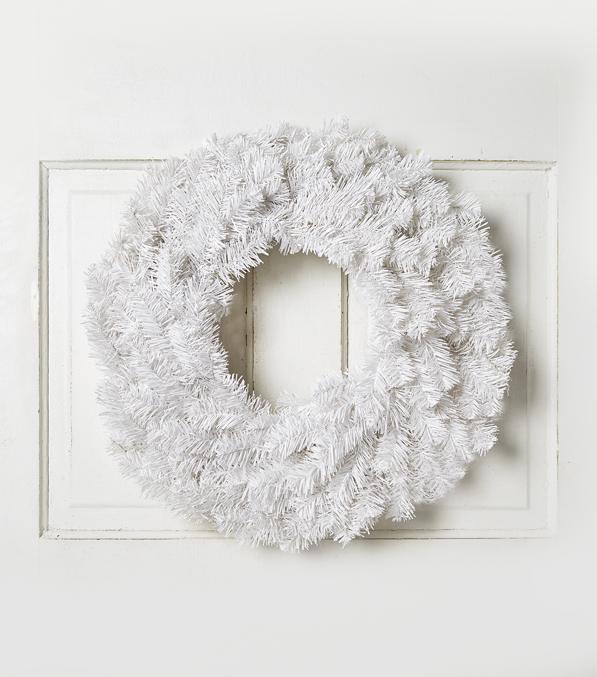 Blooming Holiday 24\u0027\u0027 Pine Wreath-White