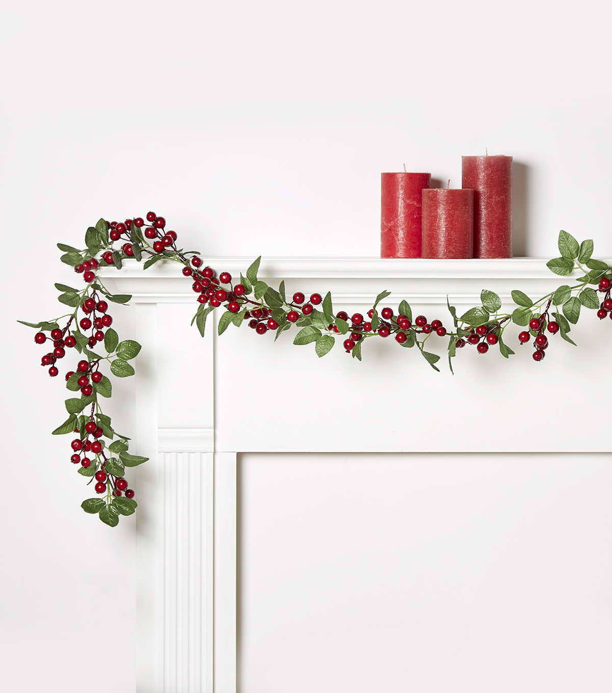 Blooming Holiday Large Berry & Leaf Garland