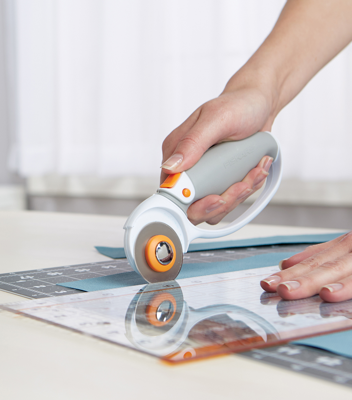Fiskars Titanium Softgrip Loop Handle Rotary Cutter 45mm