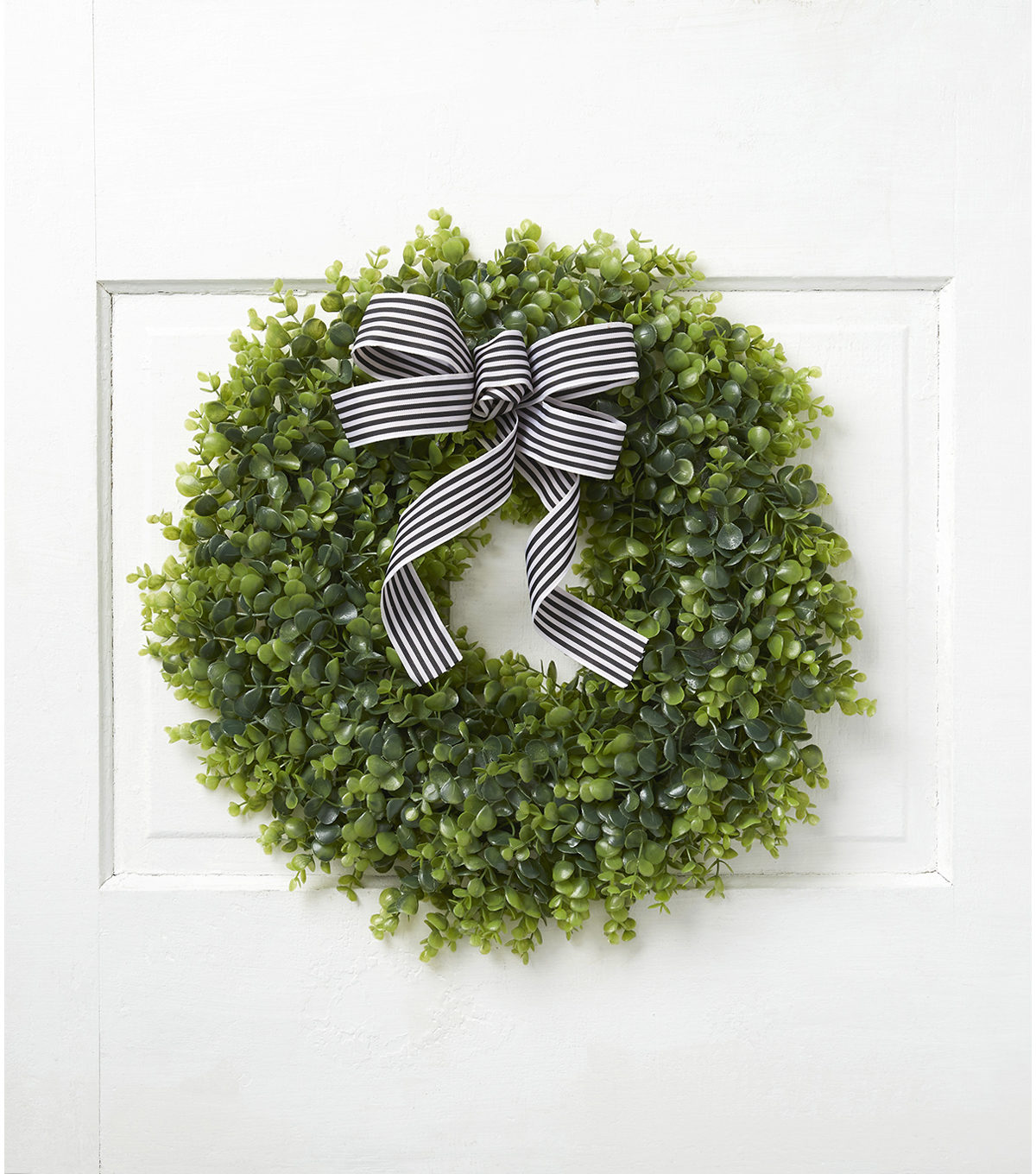 Fresh Picked Spring 24\u0027\u0027 Eucalyptus Wreath with Bow
