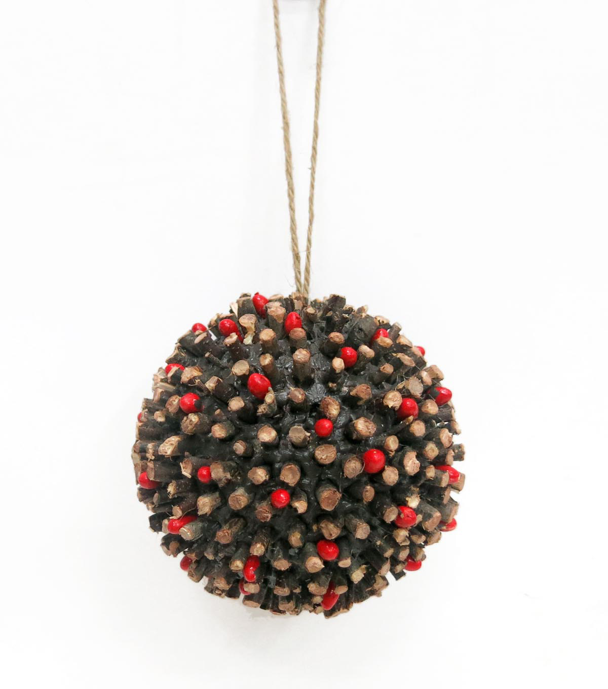 Maker's Holiday Woodland Lodge Natural Ball with Pepper Berry Ornament