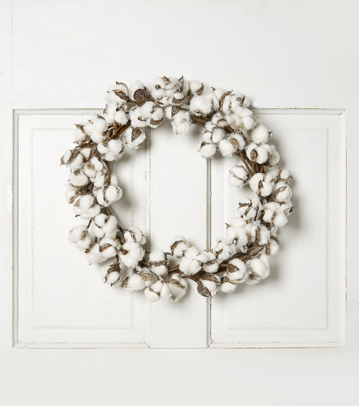 Blooming Holiday Cotton Wreath-White & Gold
