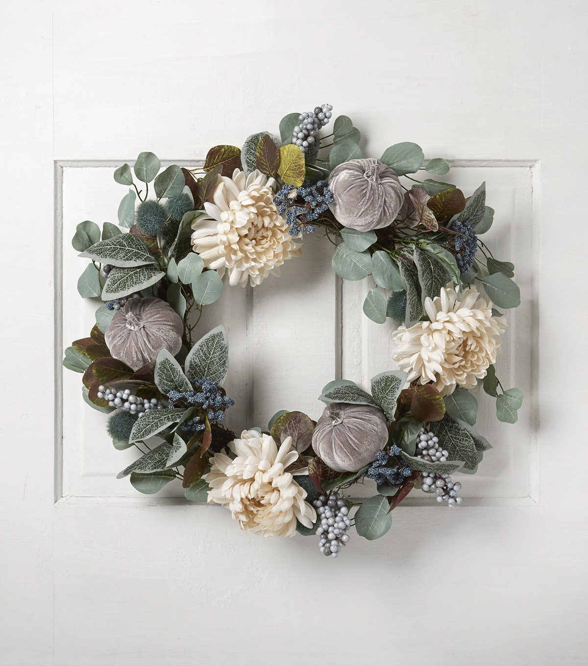 Blooming Autumn 23\u0027\u0027 Mum, Velvet Pumpkin & Berry Wreath
