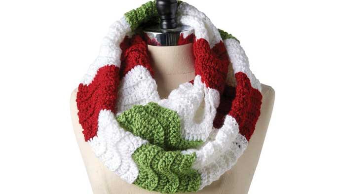 Crochet Zig Zag Cowl