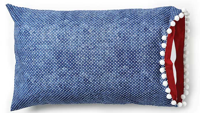Sew A Reversible Pillowcase With Trim, , hi-res