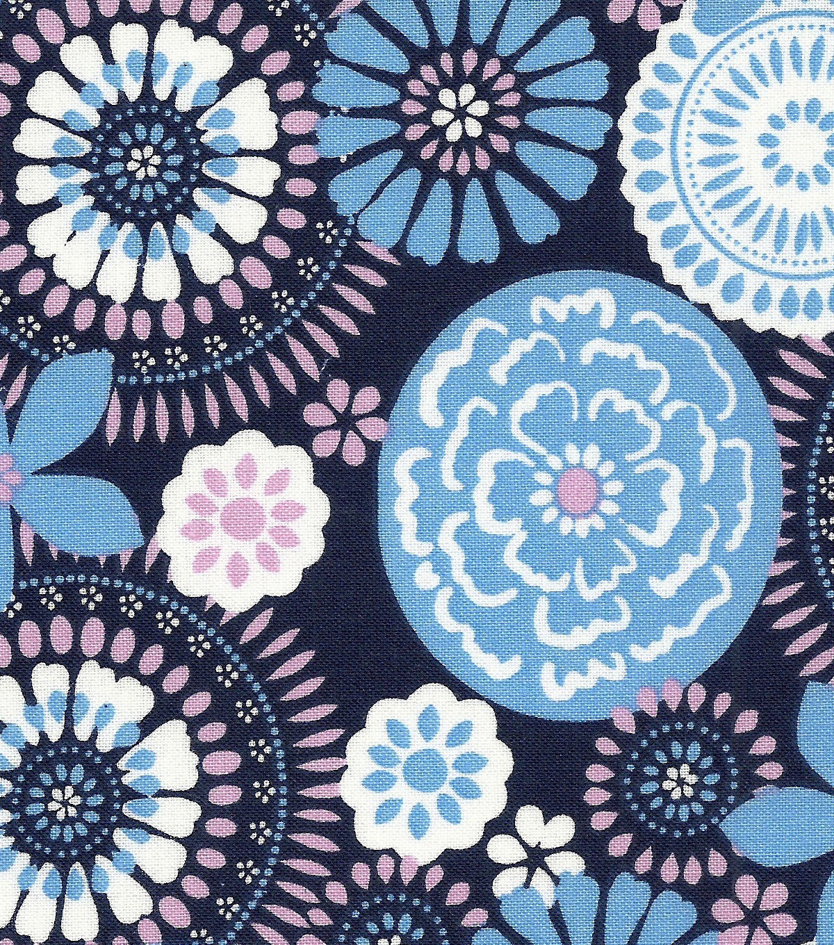 "Quilter's Showcase™ Cotton Fabric 44""-Medallion"