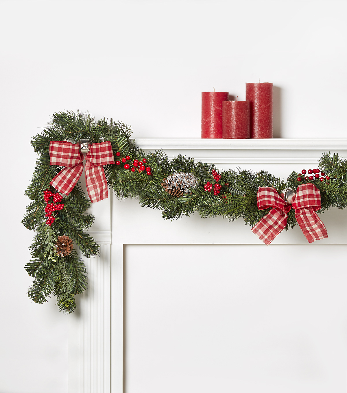 Blooming Holiday 66\u0027\u0027 Berry, Bell & Plaid Garland