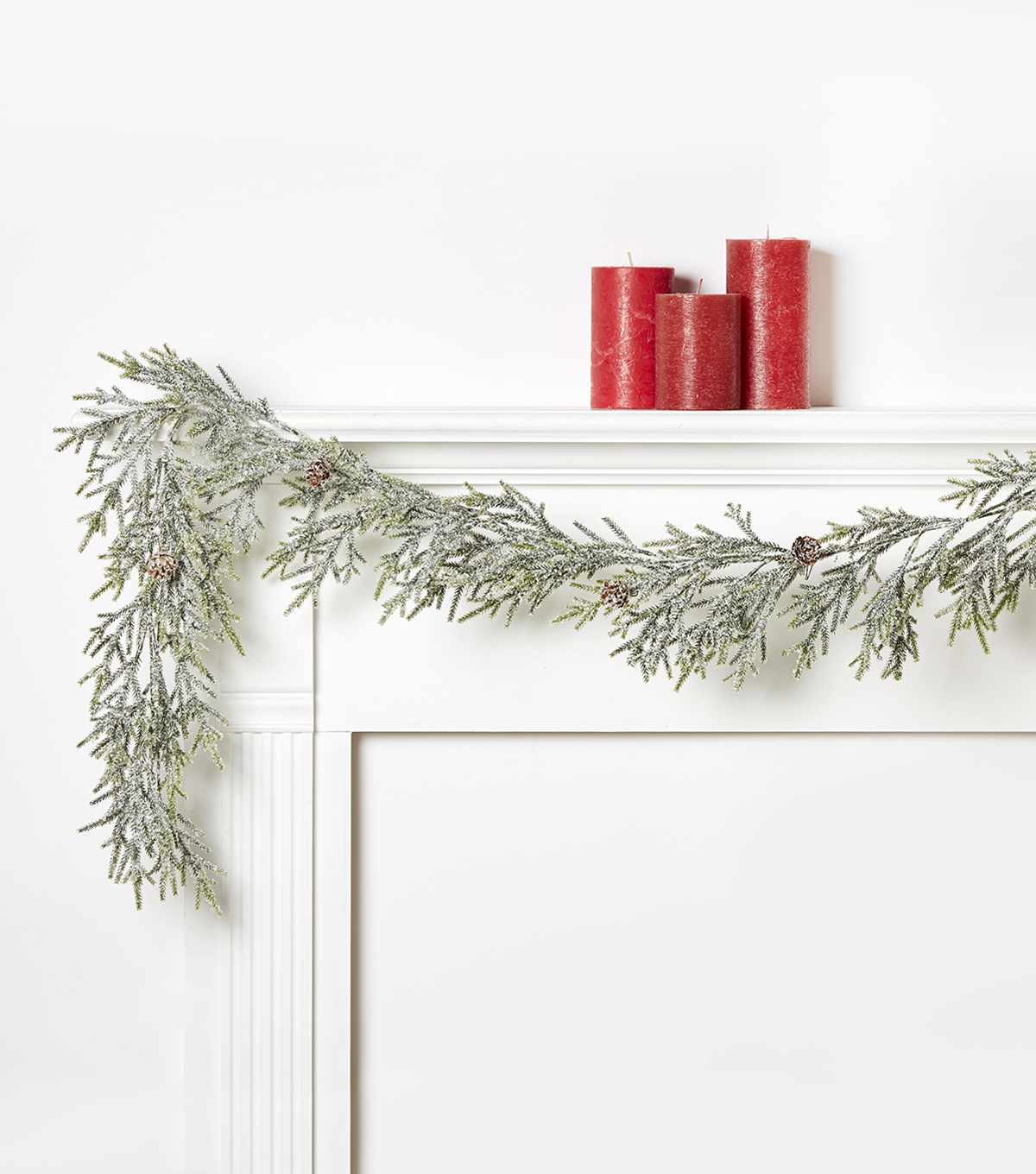 Blooming Holiday Pine Garland with Glitter Pinecones