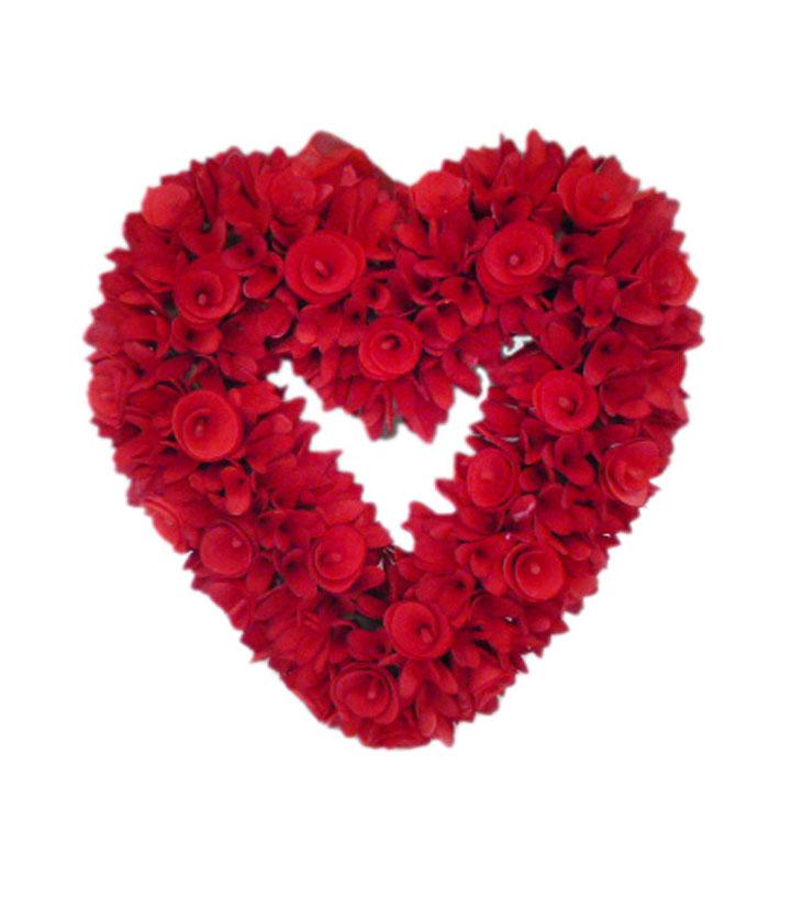 Valentineu0027s Day Wood Chip Heart Wreath Red