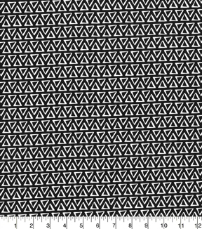 Quilter\u0027s Showcase™ Cotton Quilt Fabric 44\u0022-Triangles Black