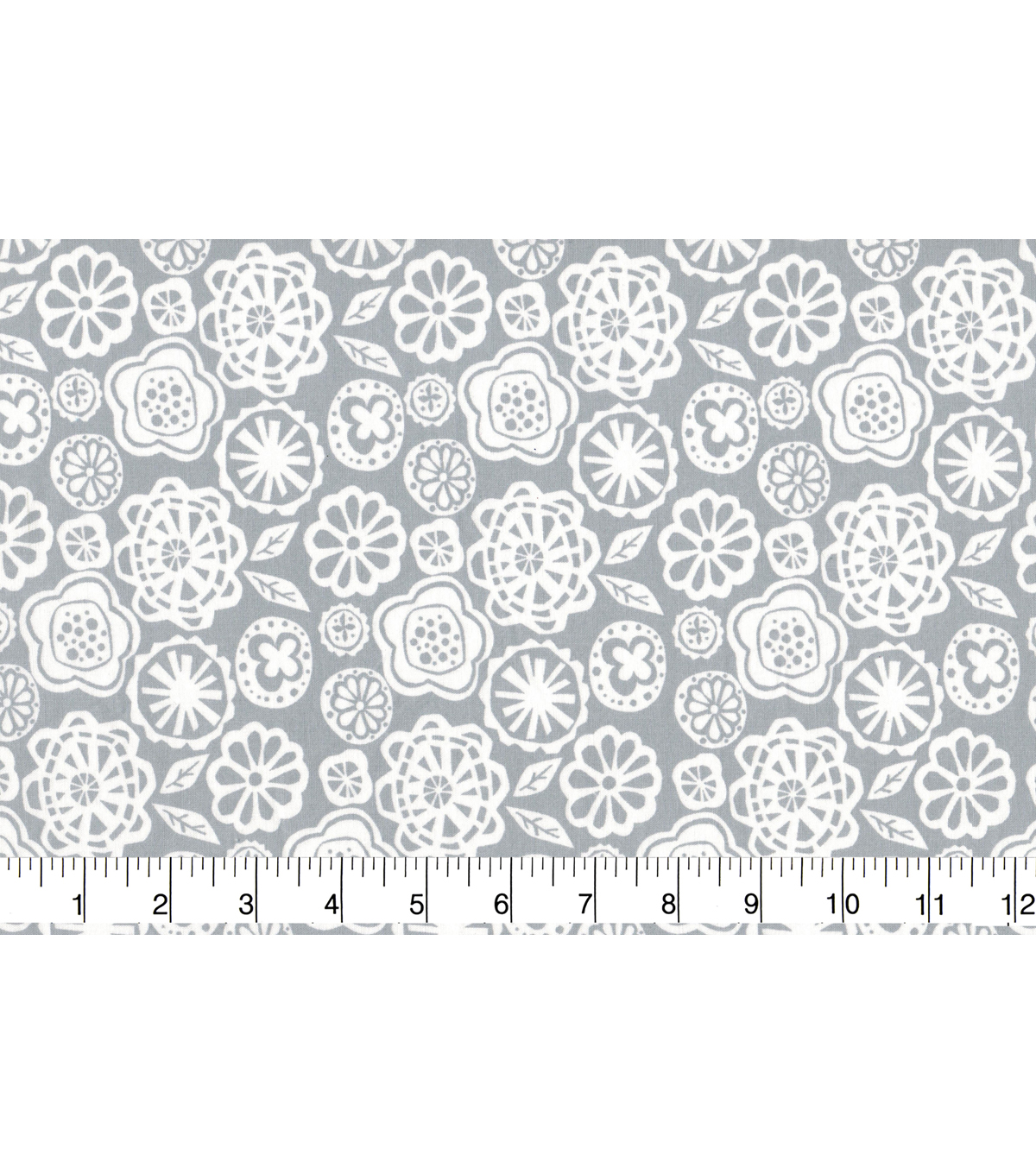 Quilter\u0027s Showcase™ Fabric 43\u0027\u0027-White Floral on Gray