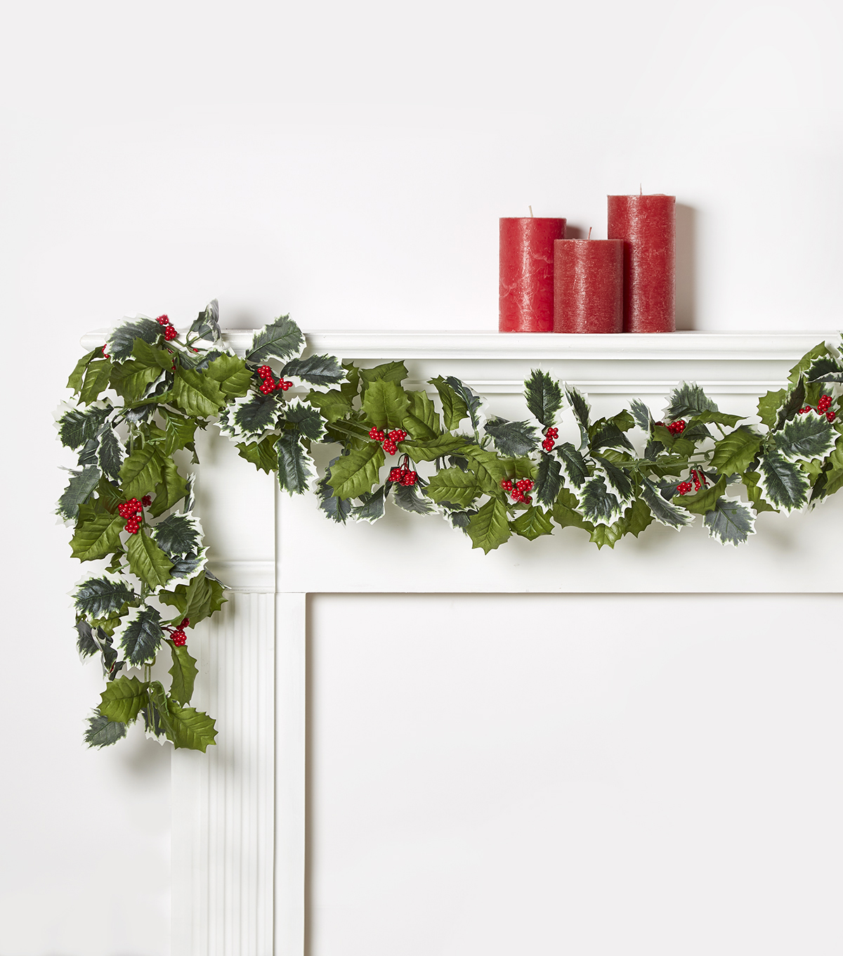Blooming Holiday 66\u0027\u0027 Berry & Holly Leaves Chain Garland-Red