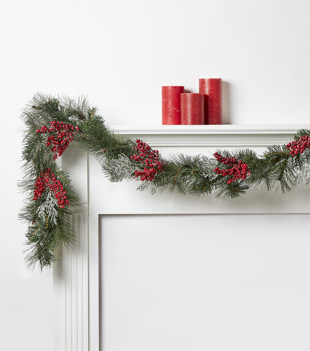 Blooming Holiday Pine Garland With Sugared Berries