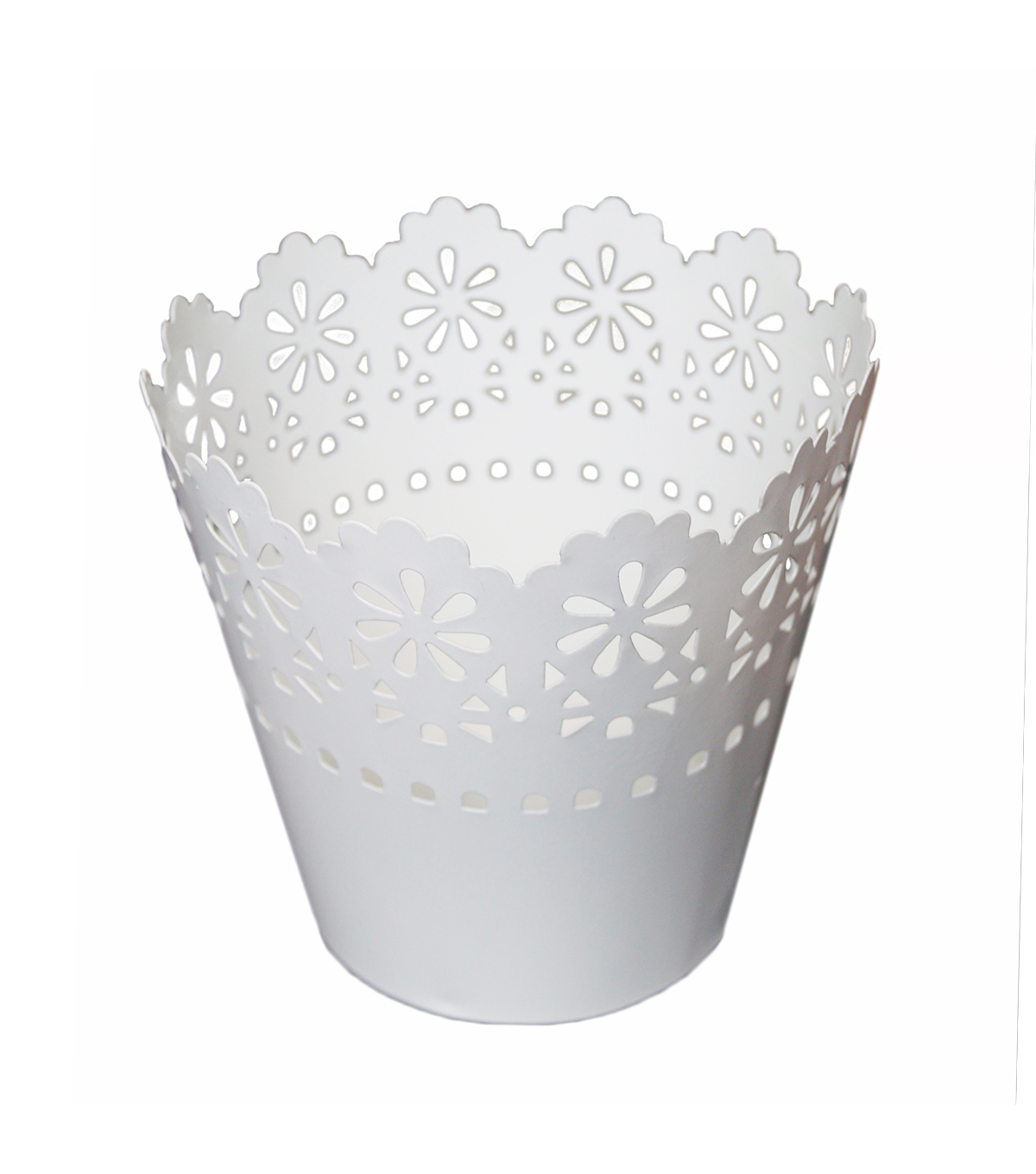 Medium Scalloped Tin-White