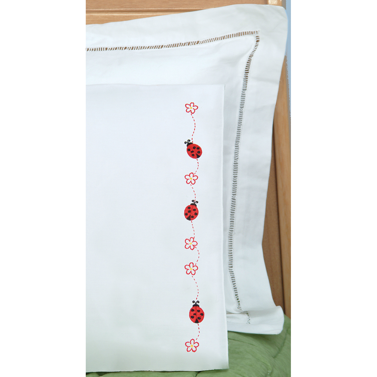 Children\u0027s Stamped Pillowcase With White Perle Edge 1/Pkg-Ladybugs