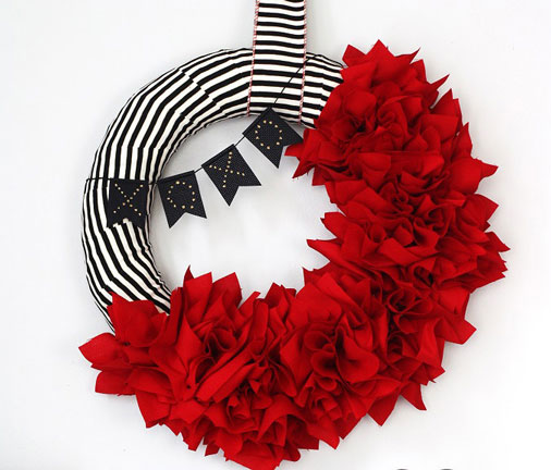 How to Make Ruffle Wreath and Valentine\u0027s Day Bunting