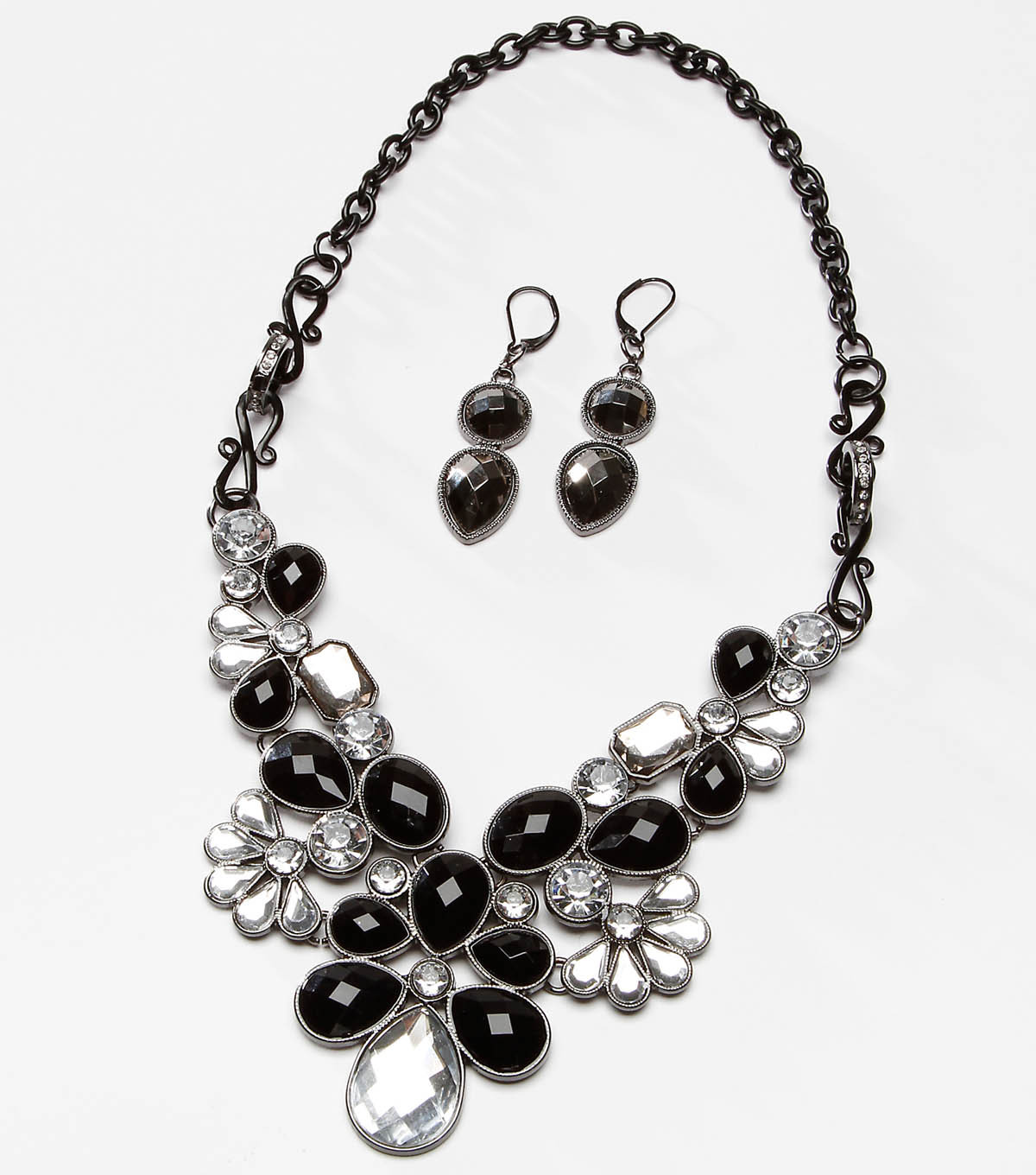 Tori Spelling Noir Flower Necklace and Earring Set