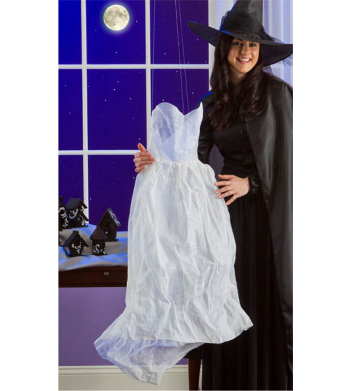 Ghostly Dress Decor