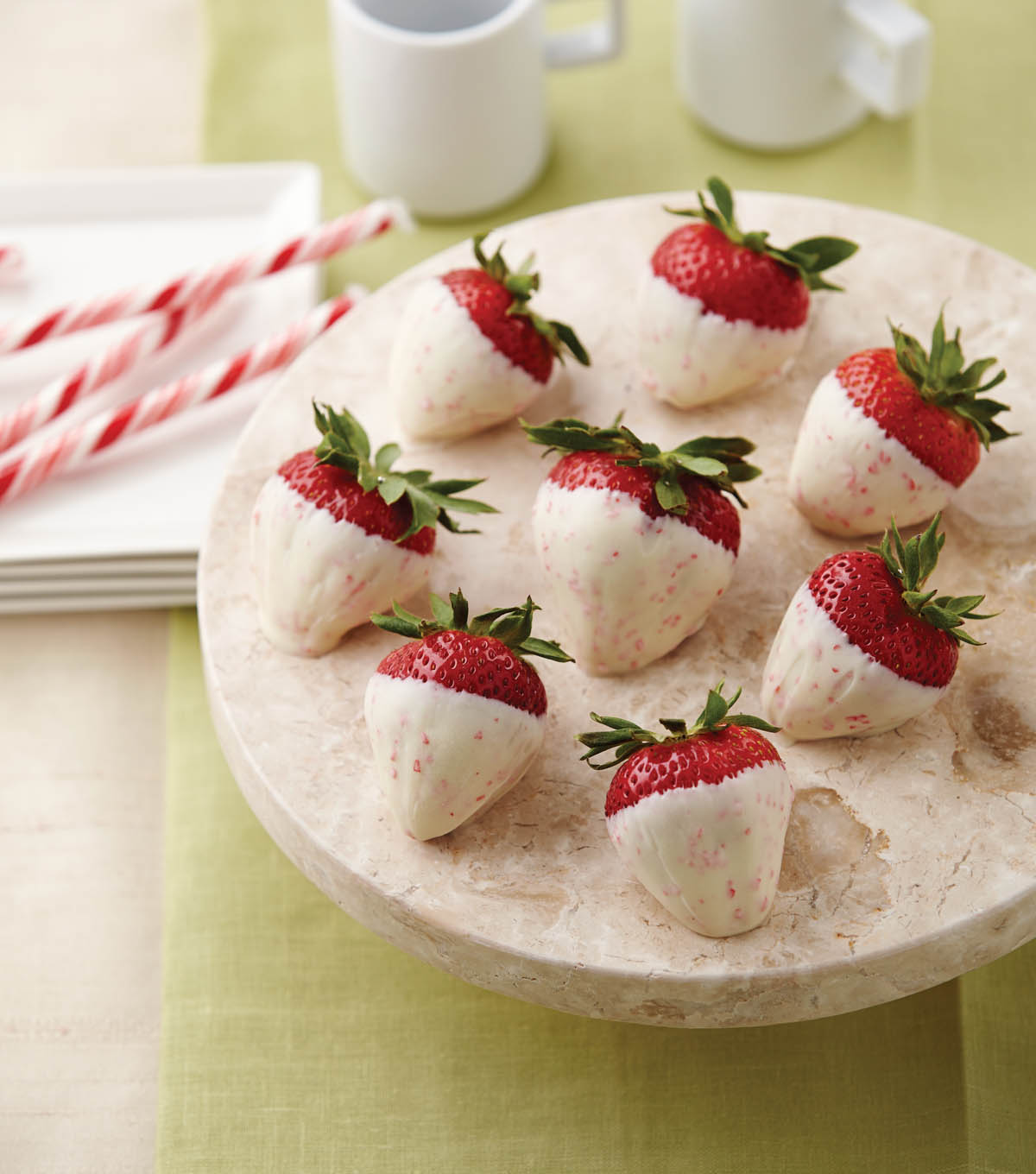 Christmas Candy Cane Dipped Strawberries