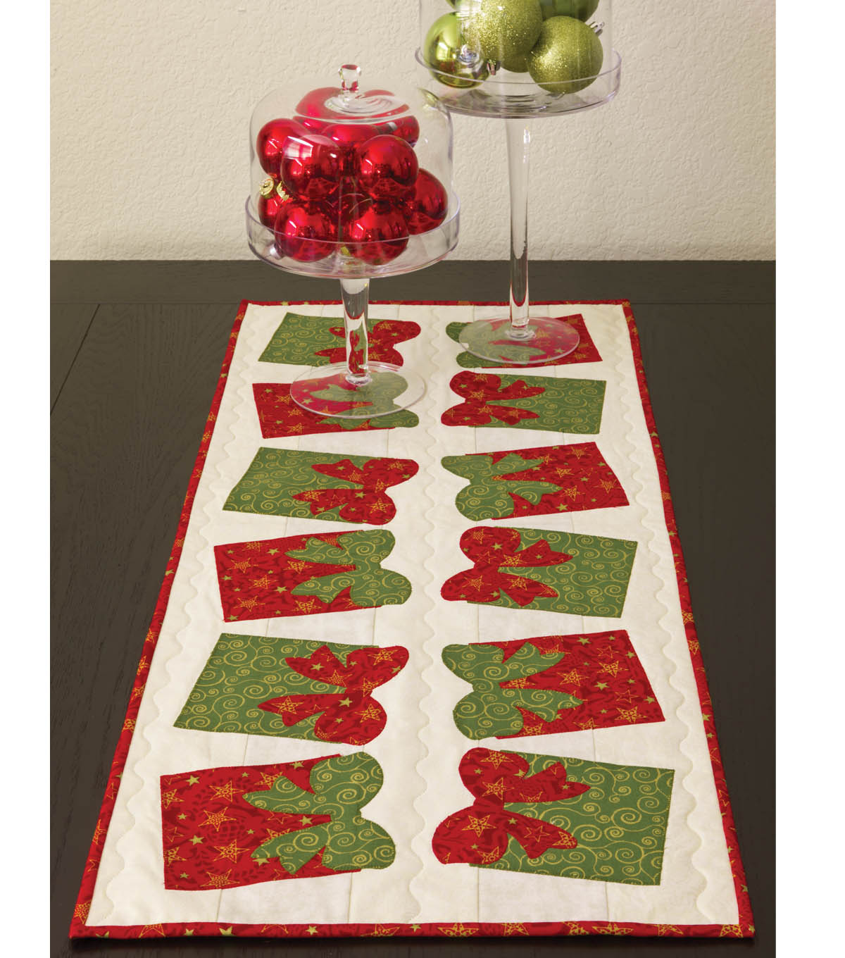 Go! Festive Bow Table Runner